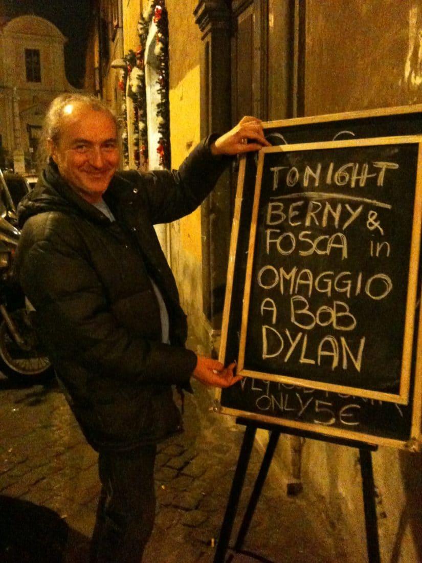 Fuori dal LettereCaffè per una serata su Bob Dylan